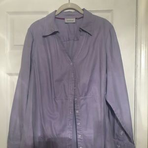 Purple button shirt. Size 22/24
